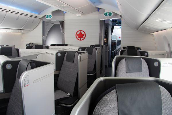 (组图)加航梦幻客机波音787内景