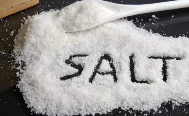 你家的盐还只用来调味?看完惊呆你!