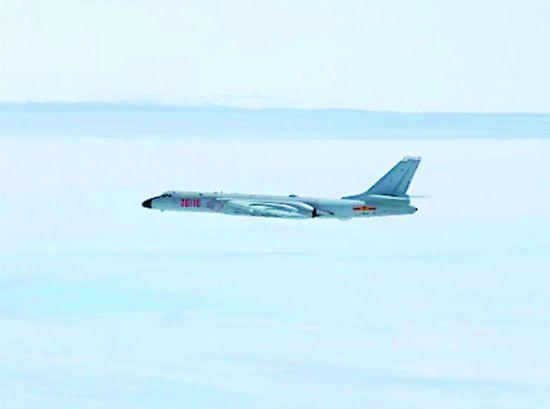 �й��6�״η�Խ���ź�Ͽ ��F-15����