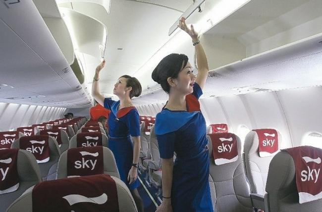 带轮行李箱禁上飞机的规定取消!