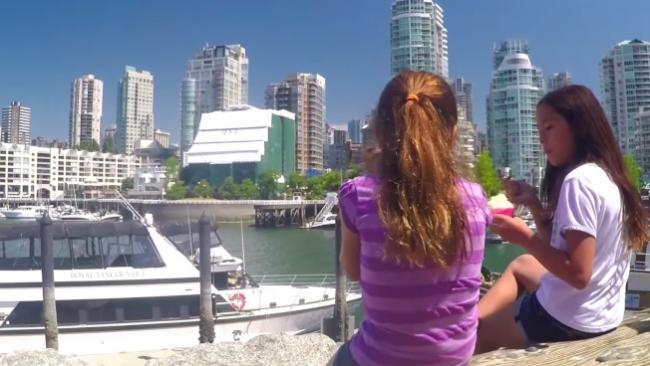 美国球迷游温哥华视频爆红 8万人点赞