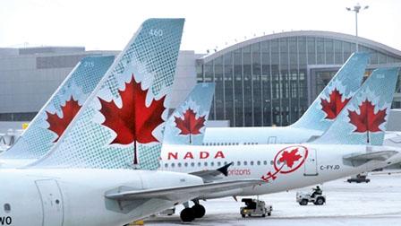 证实没有炸弹和危险品后,航空公司遂安排乘客登机,飞机最后于10时27分