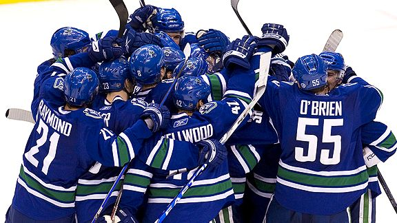 canucks-celebrate.jpg