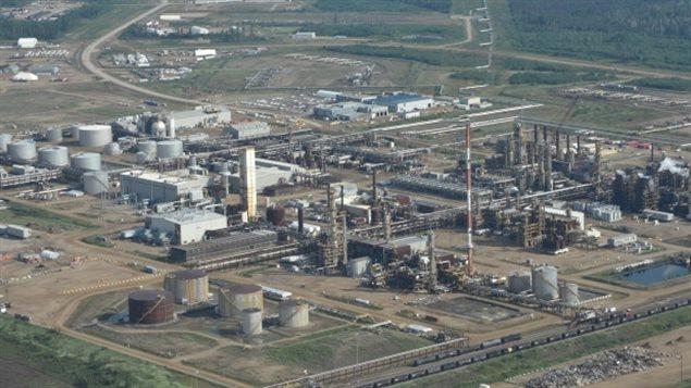 油砂矿减产一半 世界油价却再现疲软