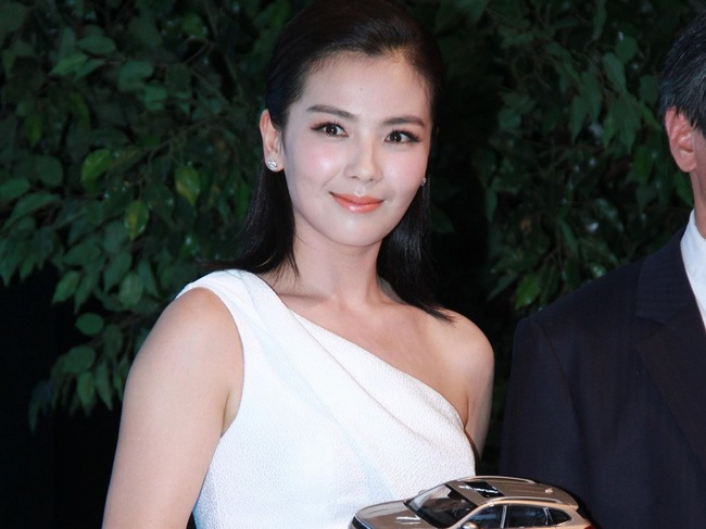 刘涛嫁入豪门辛酸 丈夫新婚抑郁嗑药昏睡