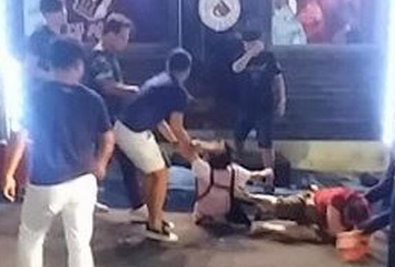 8名中国游客在韩国餐馆殴打女同胞 中方回应