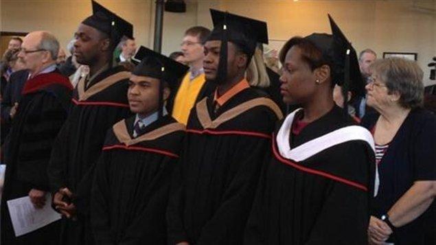 深度解析:外国留学生为加拿大高校带来的利与弊