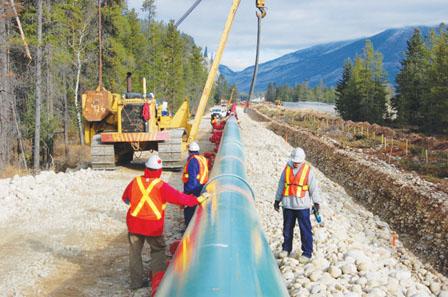 跨山油管料增3倍输送量 总裁希望明年动工