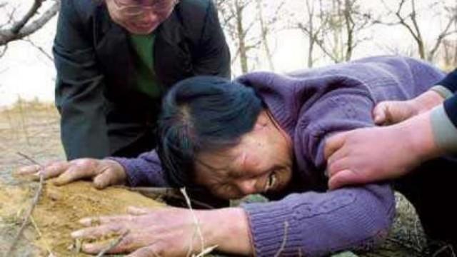 聂树斌母亲立嘱:死后要与儿子合葬