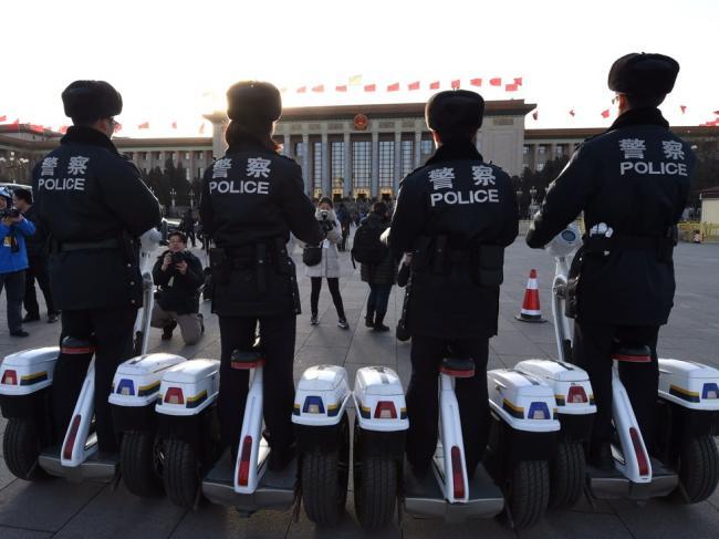 中国警察法要大修 5种情形可使用武器