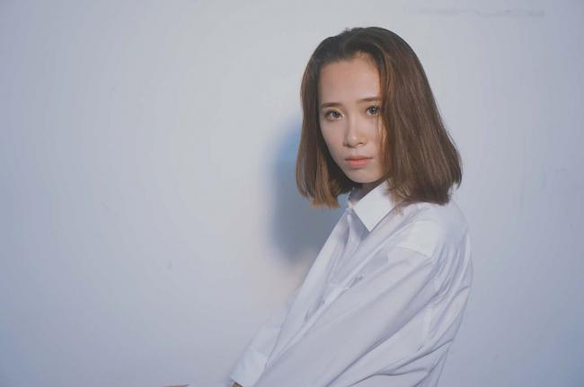 网红27号| 曲线玲珑女汉子,中国化妆师大赛的御用模特紫君