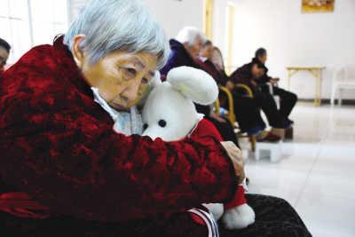 子女在哪,家就在哪?温哥华中国老人的孤独和无奈