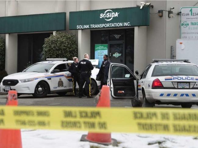 華裔因經濟糾紛亂槍殺死老板 自殺未遂