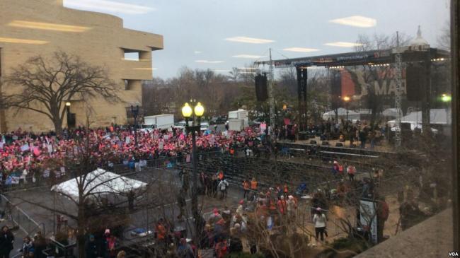 全球婦女反川普今示威 溫哥華料5,000人響應