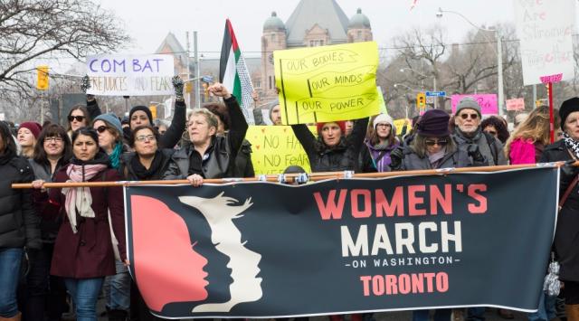 多伦多上万人上街声援华盛顿妇女大游行