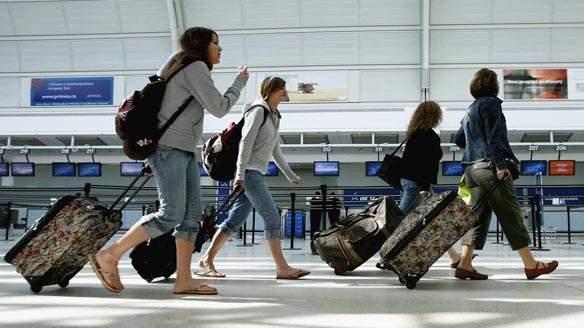 61万大陆游客访加 商务旅行占40%