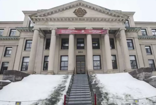 加拿大大学太好了 为受禁穆令影响的学生免学费