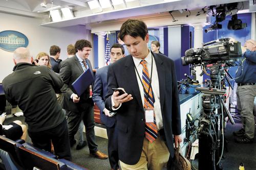 白宫见面会重量级媒体被拒 舆论哗然