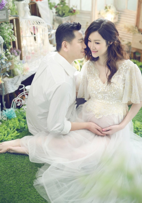 她是赵薇老公的前任 嫁富豪怀孕7月仍然那么美