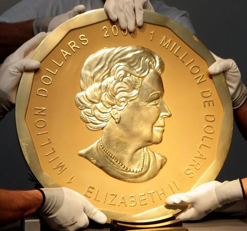 450万加国制造纯金币被盗 神偷如何潜入博物馆的?