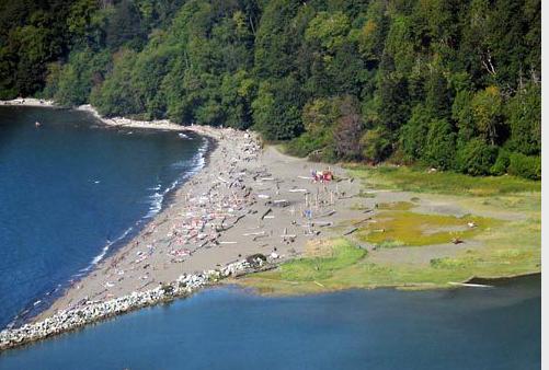 在温哥华裸体浴场和游泳馆领悟加国的开放和保守