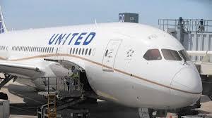 美联航华裔机师:如此处理并无违法 更不存在歧视