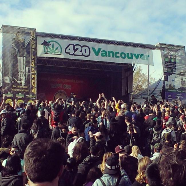 420大麻日现场直击,及时行乐或是末日狂欢?