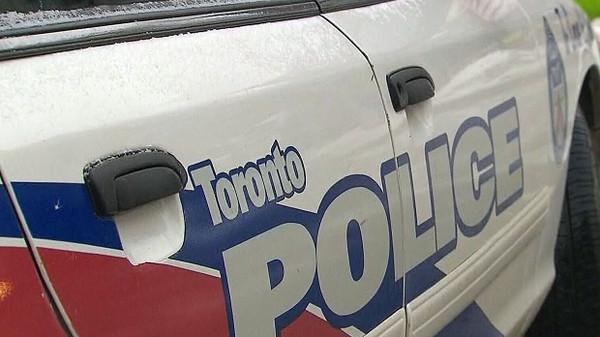 多伦多停车场疑有人遭射击 警方逐一搜查医院