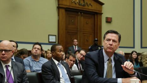 揭露FBI局长被开除隐情:拒绝向川普效忠