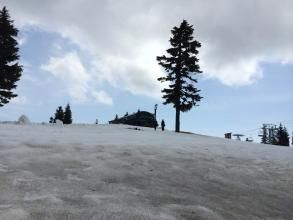 寒冬还没走 松鸡山降雪25厘米