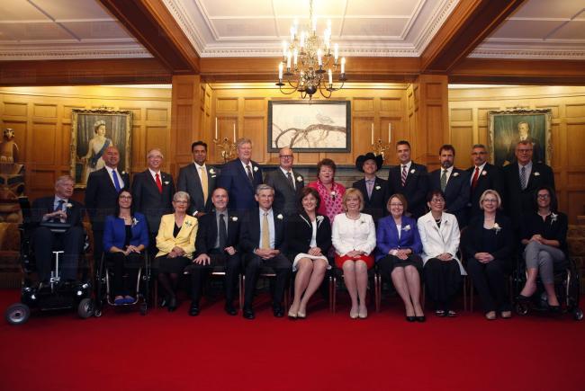 BC省自由党22新内阁成员宣誓就任