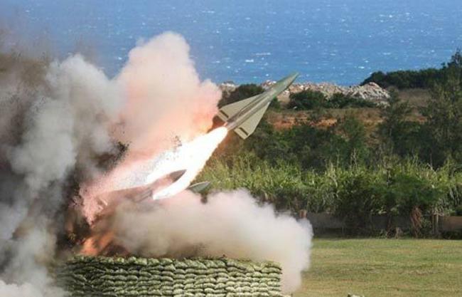 台军试射飞弹半空爆炸 当地乡民发文怒吼