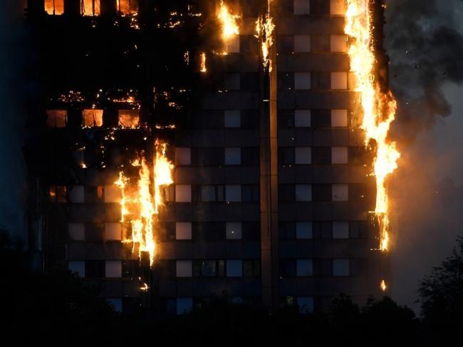 英国警方:伦敦公寓大火罪魁祸首是冰箱
