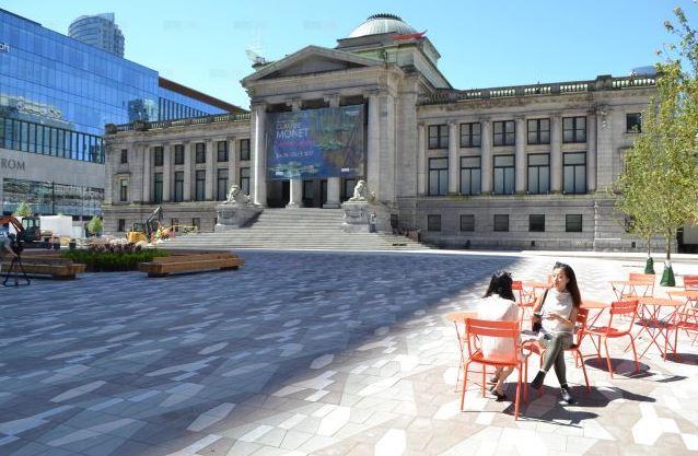 耗资千万 可容纳1500人的温哥华美术馆北广场重开