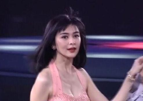 美而不妖!关之琳26年前照片 美到极致气质脱俗