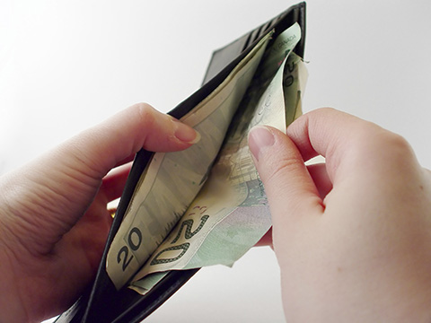 aya_banking_in_canada_480.jpg
