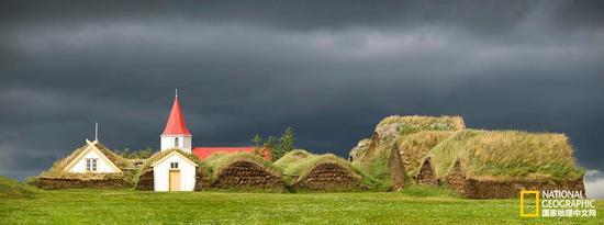 有多神奇?带你去看看冰岛的草皮屋
