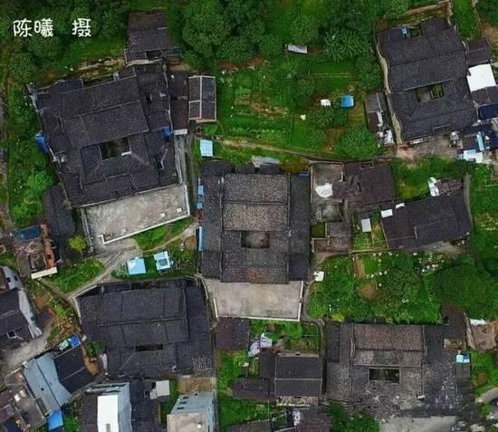 闽东有个神奇的村庄 居然是用碗建成的