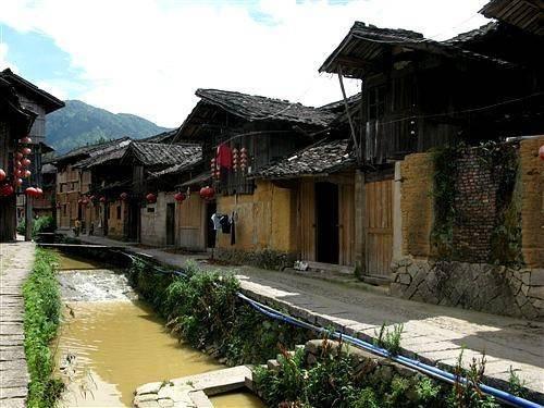 中国唯一把鱼当神的村 为鱼安家立户