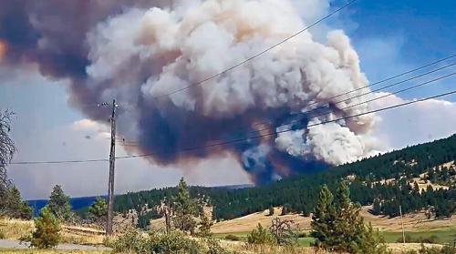 BC山火持续肆虐B 窃贼趁火打劫盗消防设备