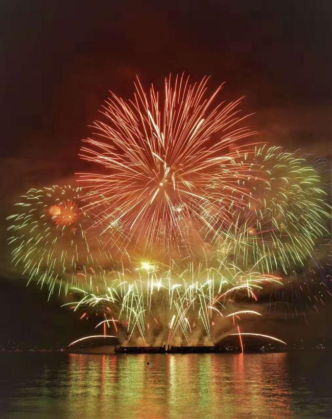 1段视频+25张图片回顾2017烟花节英国队表演