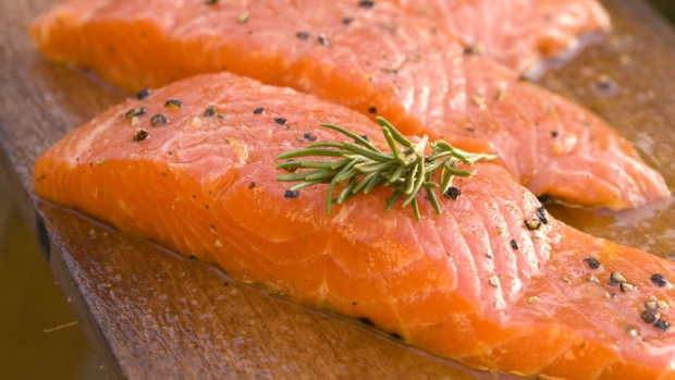 aquabounty-salmon-filet.jpg