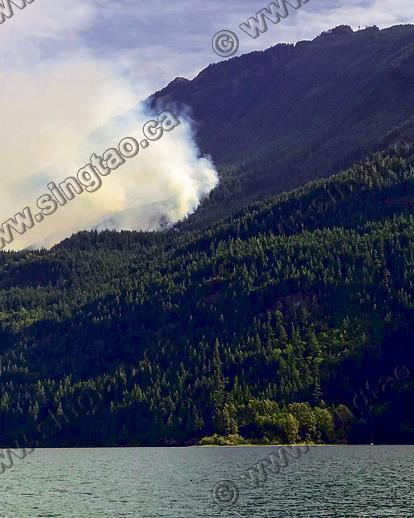 新增山火11宗 夏里逊湖灾情扩大