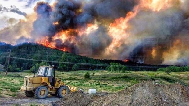山火继续 卑诗省紧急状态令延至9月15日