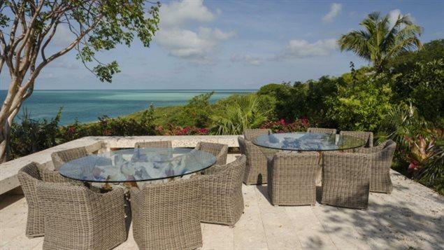 特鲁多海岛度假花纳税人的钱少申报70%