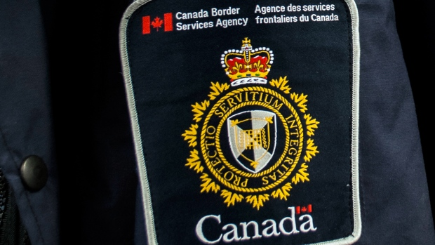 canada-border-services-agency-shoulder-patch.jpg
