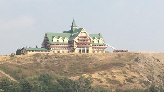 """惊险!加拿大这座国宝级古董酒店差点""""葬身""""大火"""