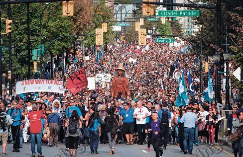 数万人参加和解行 倡议民族和谐