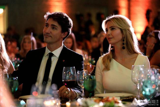 伊万卡和特鲁多同赴晚宴照曝光