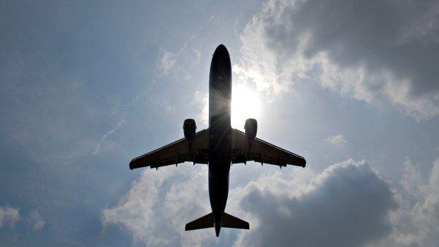 皮尔逊机场两个多月罢工结束 地勤人员周三返岗